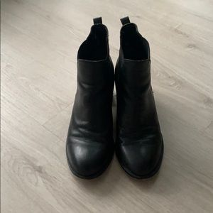 Sam Edelman Chelsea Boot Size 9